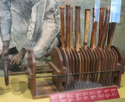 Multi racquets press, 1900.